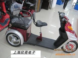 最便宜的老年代步四轮电动车 高清图片