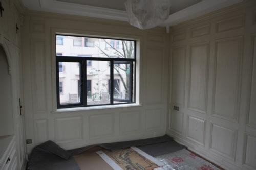 上海宏星建材专业高档护墙板,原木护墙板,墙裙,原木楼梯,欧式线条图片