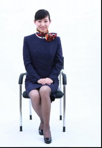 女士坐姿礼仪标准图_青岛礼仪培训 崂山礼仪培训 李沧礼仪培训 首选青岛