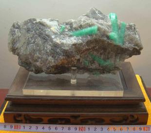 矿物晶体 矿物标本 观赏石 礼品 结晶体绿柱石 -冶金矿产