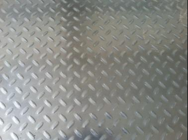 生产冷轧镀锌压花板 扁豆型镀锌花纹板销售 乾亿