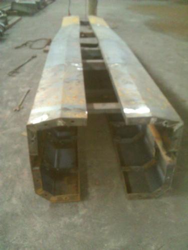 20米空心板梁钢模板