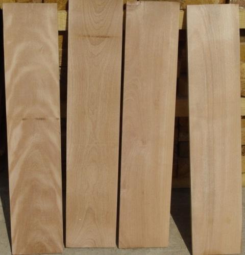 我们在云南昆明西南木材市场长年备有不同等级,规格的大量现货供应