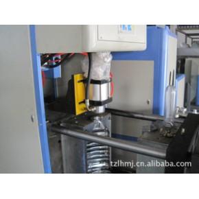 PET.PC大容量塑料吹瓶机.吹制容量5L--20L,立涵模具机械厂制造。