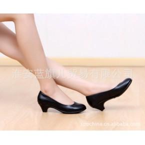真皮工作鞋皮鞋中跟黑色单鞋酒店职业工作鞋34-43码大码女鞋