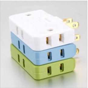 日本 便携式一分三旅行电源转换插座 180度可旋转自由插头