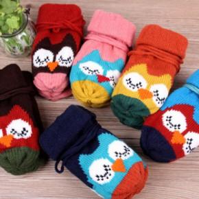 冬季新品猫头鹰儿童手套 超萌可爱保暖手套 挂绳加厚加绒针织手套