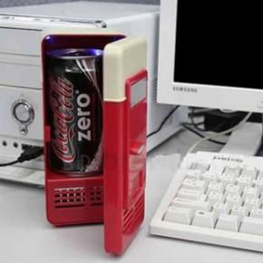 车载冰箱车用家用两用 制热制冷 USB迷你小冰箱 5V桌面小冰箱