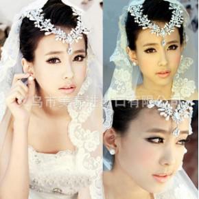 新款韩式水钻婚庆结婚新娘饰品合金头饰皇冠项链配饰首饰套装