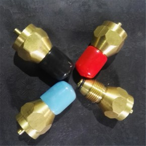 黄铜煤气罐转接头配件加工 煤气减压阀 安全阀 野外炊具工具
