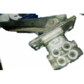 汽车配件客车配件青年汽车配件刹车总泵带踏板