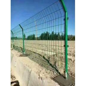 铁丝网围栏 多种型号养殖围栏高速公路护栏网隔离栅